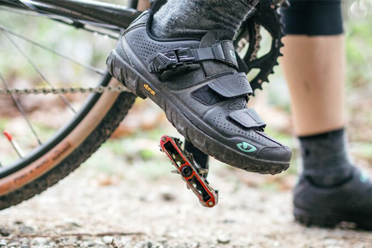 Mountain Bike Shoes for Flat Pedals