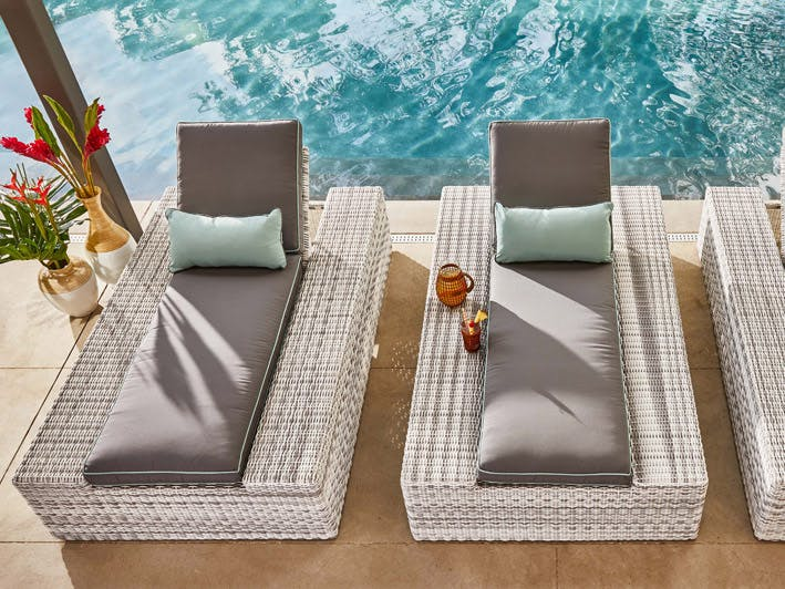 how to clean your chaise lounge chair