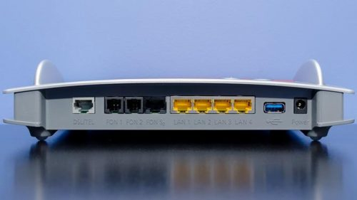 What are the Differences Between a DSL and a Cable Modem?