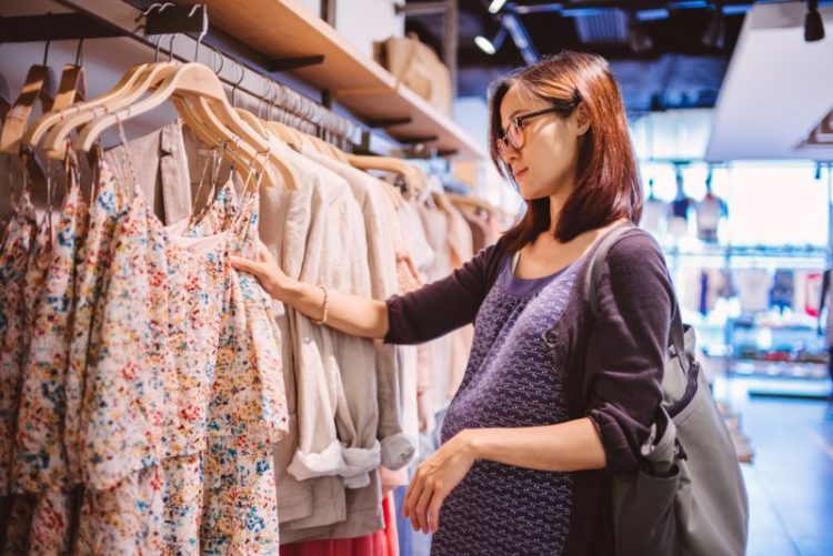 Maternity Clothes: What You Need to Know Before Purchasing