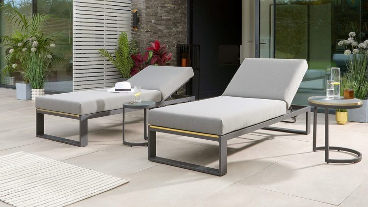 5 Reasons You Should Invest in Outdoor Lounge Chairs